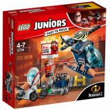 Set de constructie LEGO Juniors Elastigirl si Urmarirea pe Acoperis