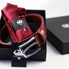 Cadou Barbati Set Cravata Batista Pin Floral Curea Visiniu Gent's Club