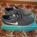 Vand adidasi Nike, 45, Gri