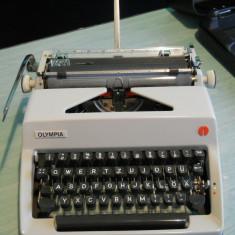 Masina de scris OLYMPIA Werke