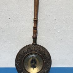 Barometru vechi,francez,in firma de tigaie
