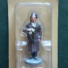 Figurina din plumb - Medic - ARMATA ROSIE