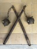 Pereche de buzdugane vechi,franceze,pentru panoplie