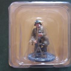 Figurina din plumb - Soldat cu mortier - ARMATA ROSIE