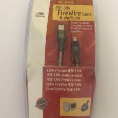 Cablu Belkin IEEE 1394 FireWire / F3N402ea06-ICE / 4 pini - 4 pini / 1.8m (253)