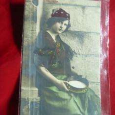 Ilustrata color - Mignon -Tiganca cu Tamburina ,circ.cu 5 bani Spic de Grau 1908