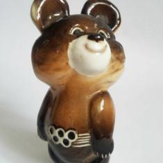 Bibelou portelan ursuletul Misha Jocurile Olimpice 1980 Moscova URSS, 11 cm