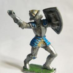 Figurina cavaler, soldat, plastic, 7 cm, vintage