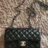 Vand geanta mini Chanel Originala