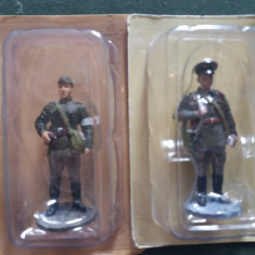 E.Set 2 soldati ARMATA ROSIE