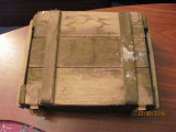 Cumpara ieftin PVM - Lada munitie militara mai veche lemn inchide perfect