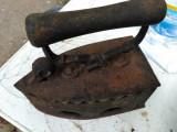 Fier de calcat cu jar