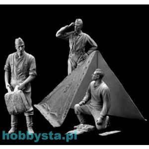 + Kit figurine 1/35 Dragon 6695 - German Wehrmacht Bivouac (Set with Zeltbahn) +