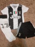 Echipament Juventus+jambiere,copii 4-16 ani,model NOU 2018-2019 ,7 Ronaldo, YL, YM, YS, YXL, YXS, YXXL, Set echipament fotbal