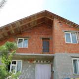 Casa noua masiva cu 7 camere din caramida parter cu mansarda