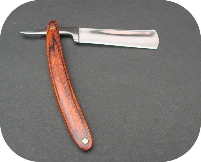 Brici cu prăsele din lemn