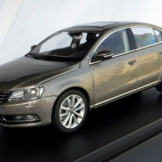Schuco VW Passat ( B7 ) sedan 2011  1:43