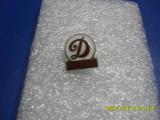 Insigna     Dinamo  Pitesti