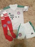 Echipament Bayern Munchen+jambiere,copii 4-16 ani,model NOU 2018-2019 ,1 NEUER, YXS, Tricou + Pantalon
