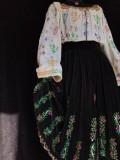 Costum popular vechi de colectie cu margele, 40/42