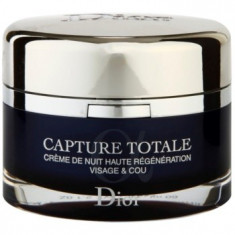 Dior Capture Totale Crema de noapte intensiva pentru revitalizarea pielii