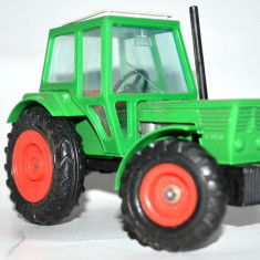 Macheta Tractor Gama Deutz D 10006 - lipsa o roata
