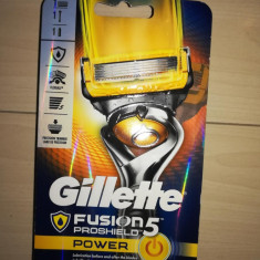 Aparat ras Gillette Fusion Proshield Power Flex Ball cu 1 rezerva
