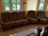 Vând set canapea extensibila cu doua fotolii brațe lemn masiv stejar