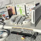 Set Wii modat in cutie +stick 32Gb+placa fitness + Floor Mat + 2 manete 2 volane