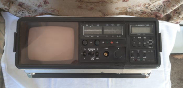 TELEVIZOR/RADIO/CASETOFON GLOBE COMPACT  - FUNCTIONEAZA .