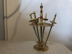 Suport miniatural cu 4 sabii,toledo foto