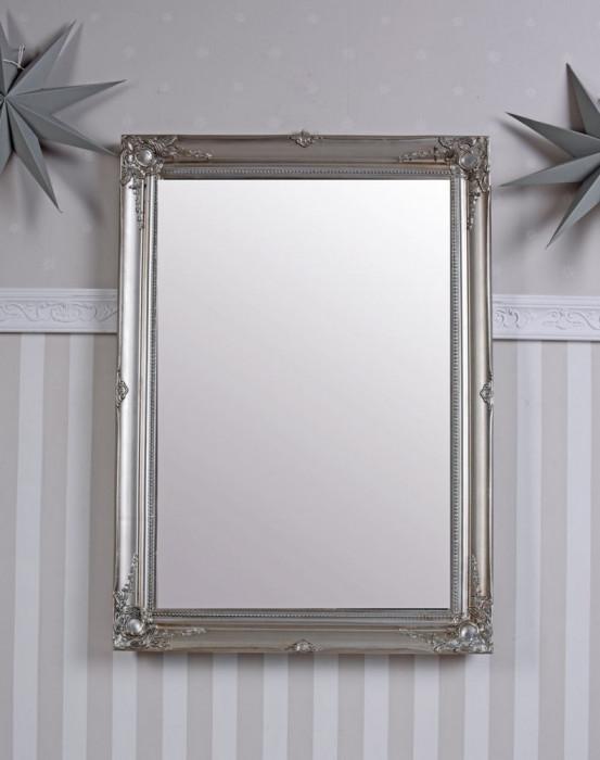 Oglinda cu o rama argintie SNA026