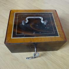 Caseta veche de valori, cutie de metal cu 2 chei, pt. bijuterii , bani, sau arma