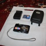 Pentax P80 aparat foto 12.1Mp  micut usor husa 2 card-uri 2gb incarcator HD