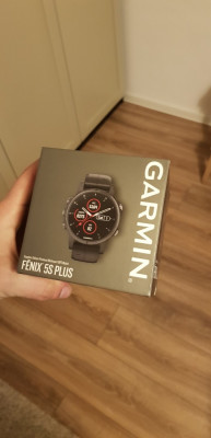 Garmin Fenix 5S Plus foto