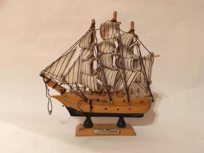 Macheta lemn corabie, vapor, barca, barcuta, veche romaneasca Litoral Romania foto