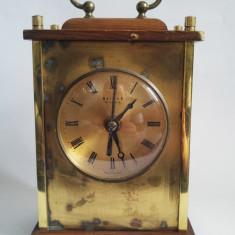 Ceas vechi Weimar GDR, anii 80, perfect functional, quartz, pe baterii, 18x12cm