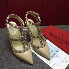 Pantofi VALENTINO GARAVANI Rockstud - PE STOC - Super Promotie!!! - Pantof dama Valentino, Culoare: Nude, Marime: 40, Piele naturala, Cu toc