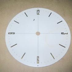 Cadran ceas mare metal litere aurite.