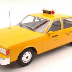 Macheta Chevrolet Caprice Classic Sedan New York  Taxi - Modelcar Group  1:18