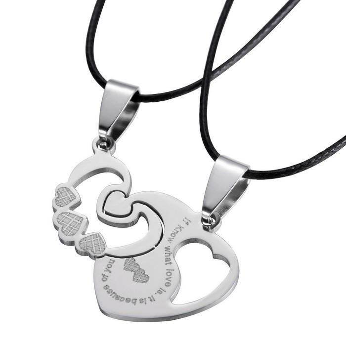 Pandantiv cuplu indragostiti inim  cu snururi medalion pentru cuplu set 2 bucati