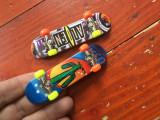 Jucarie Stuntz - lot 2 bucati Skateboard model deosebit !