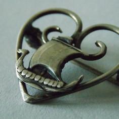 Brosa argint