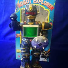 Robot chinezesc vechi, plastic. Robot explorer. China 1998. Jucarie chinezeasca - Jucarie de colectie