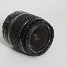 Canon zoom lens EF-S 18-55mm 1:3.5-5.6 IS - Defect - Transp. gratuit prin posta!