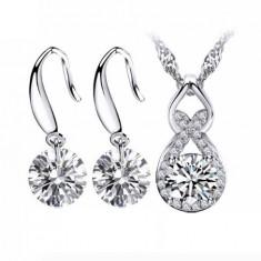 Bijuterii elegante argintii