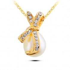 Lantisor auriu cu pandativ in forma de perla