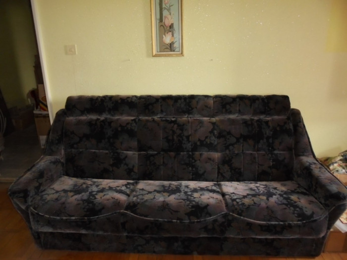 Canapea extensibila cu 2 fotolii, noi