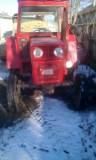 Vand Vând tractor u445 + utilaje: freza, plug și căruță.
