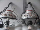 Super lot de 2 candelabre vechi din portelan si fier forjat,motive florale.